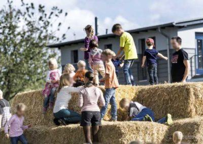 SonnenSeeFest – Strohburg für die Kinder